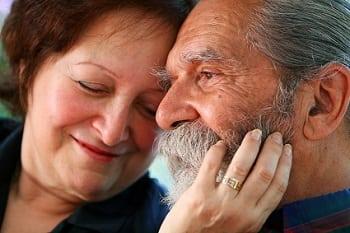 women dating older men